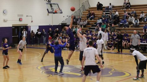 Seniors Defeat Faculty in Annual Basketball Game