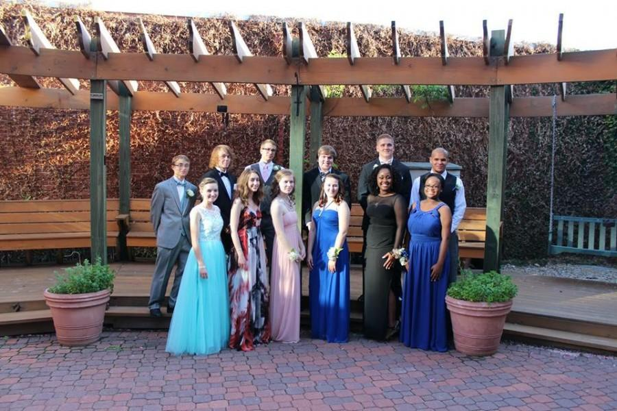 A+few+former+members+of+The+Lion%27s+Roar+in+their+prom+group.