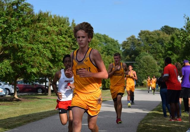 Lewis McAllister running ahead of the Hampton team!