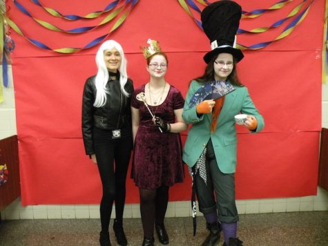 "Savannah Davidson, Traci Hurst, & Amanda Mathis as ""Alice in Wonderland"""
