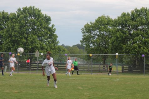 Senior, Semiyah Bellamy headed the ball to her teammate and advanced down the field.