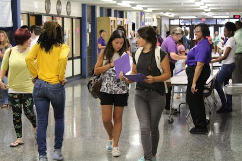 Class of 2020 arrives at Menchville.