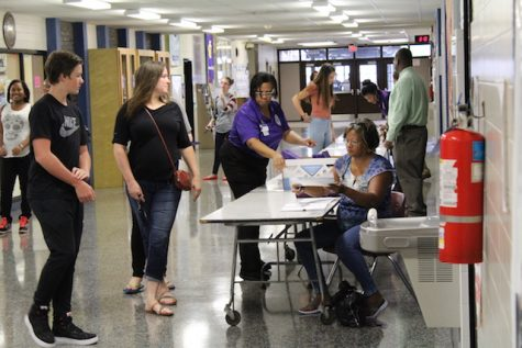 Students receive their schedules.