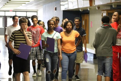 Class of 2020 heads to their classes.