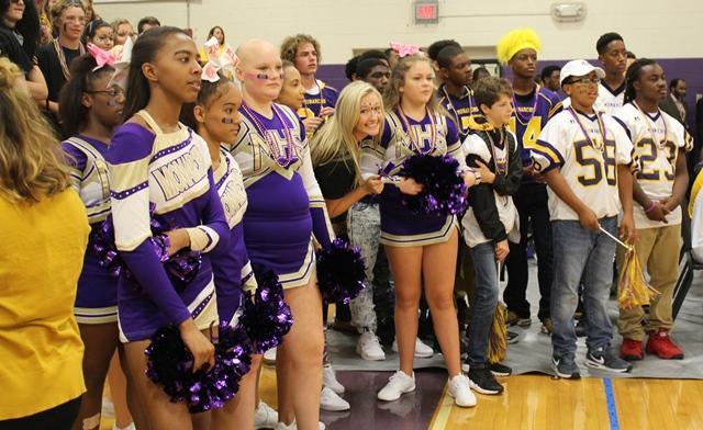 Menchville's Cheer Team