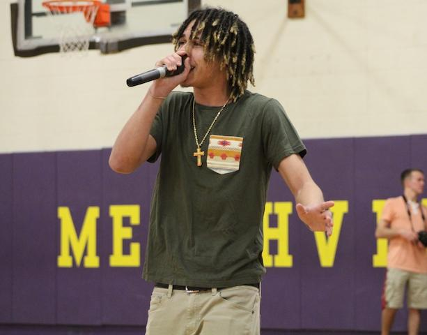 Lil Curry performing during halftime.