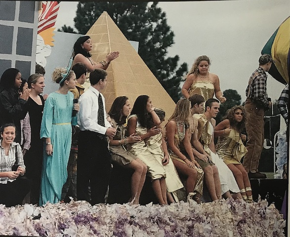 Circa 2005, The Senior Class regain their title of first place as they portray their vision of Heaven and Hell.