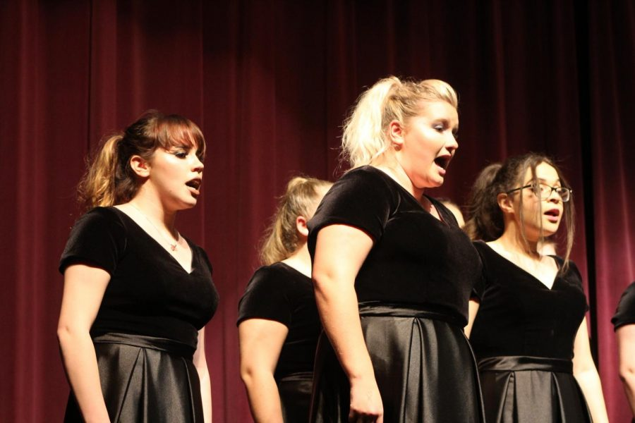 The Menchville Choral Department performed their winter concert on Thursday, December 5.