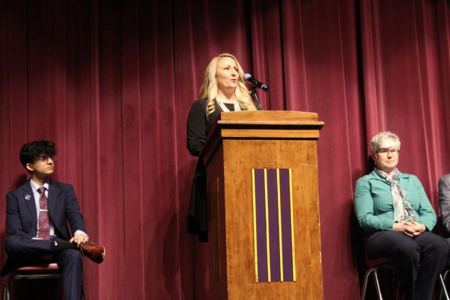 STEM supervisor Tami Byron delivers the keynote address on scientific impact.